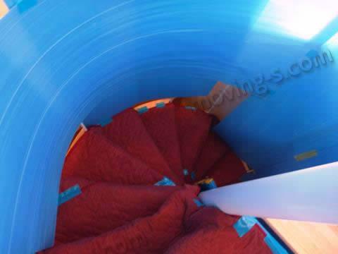 引越しで螺旋階段を養生